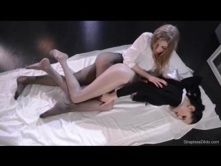 Lesbian straplessdildo strapless dildo