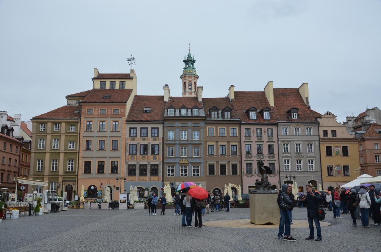 8tfY1WbmoCs Варшава - столица Польши.