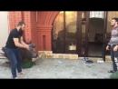 Чеченские борцы тренируются при помощи кошки