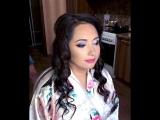 Ксения Саватеева. Яркий вечерний макияж с синими блестками и розовой помадой