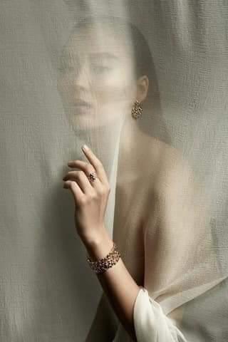 Дизайнерская реклама ювелирных украшений. Concept, set-design, style: Assel Abilhamit Photography: Baurjan Bismildin