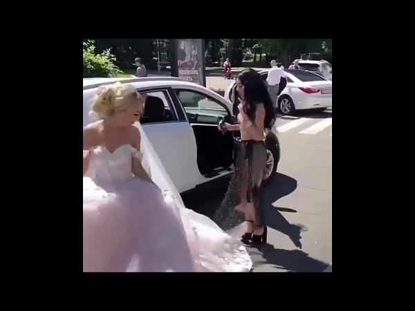 Невеста жжет Смотреть всем Самый лучший прикол 2018 Не воровка не шалава) свадьба удалась