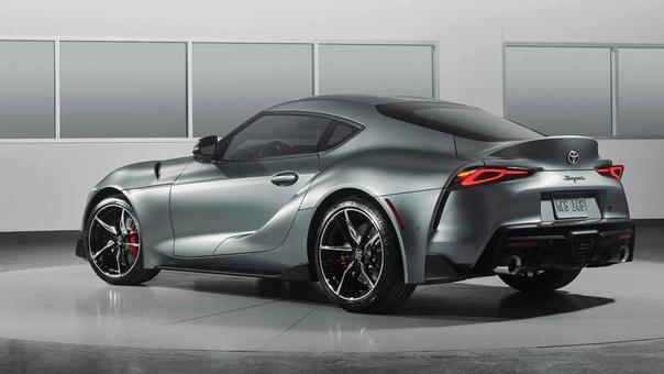 У нового купе Toyota GR Supra будут двухлитровые версии Фото: компания ToyotaВ Европе и Америке новая Supra предложена только с шестицилиндровым 340-сильным двигателем, но для японского рынка