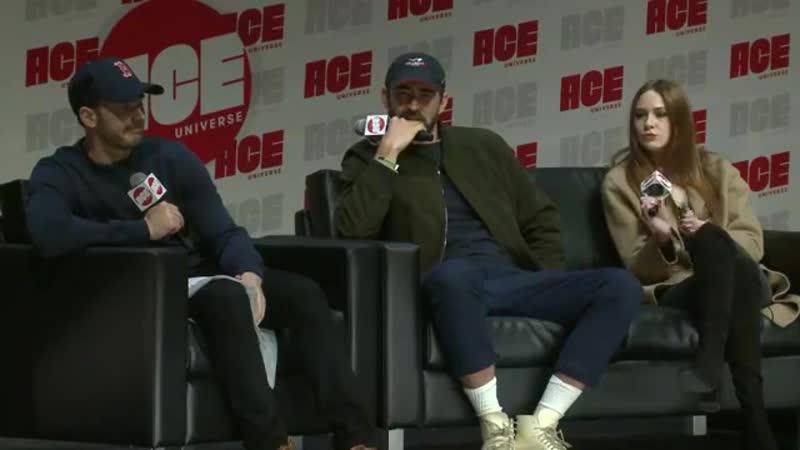 Ли Пейс (Ронан), Крис Эванс (Стив Роджерс Капитан Америка), Карен Гиллан (Небула) в интервью для КомиКона в Чикаго 13.10.2018