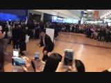 korean_soul🍪 - яп-арми пишут, что сегодня в аэропорту были люди, которые кричали в след бантанам вс