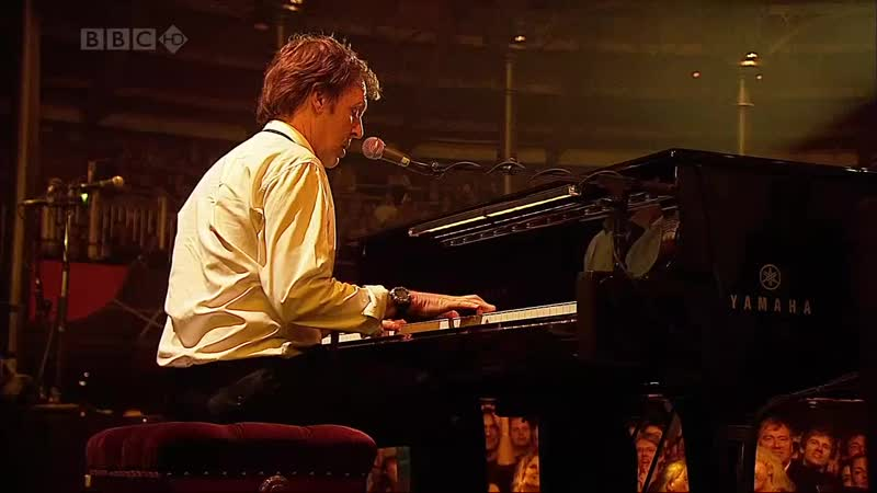 Paul McCartney - Hey Jude (Live at the Roundhouse, 2007)