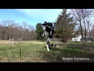 Робот Атлас на пробежке