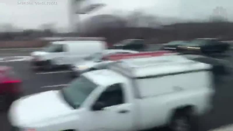 Watch Drivers Grab Money Off N.J. Highway As Brink Truck Spills Cash On Route 3 - NBC News