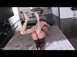 Brazzers: Phoenix Marie & Jordi El Nino - Sexy milf fucked young boy (porno,sex,mature,oral,blowjob,dick,cock,teacher)