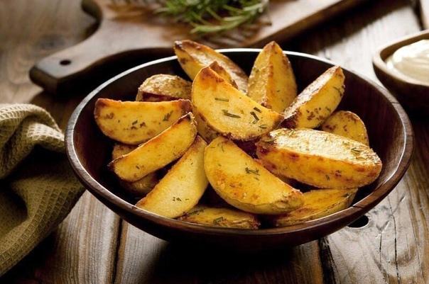 Вкусный картофель с золотой корочкой по-деревенски