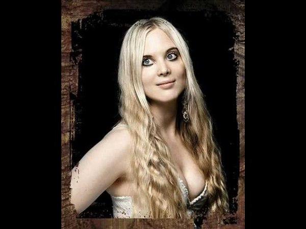 Metal Sirens - Carmen Elise Espenæs