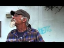 дед приколист шевелит усами - grandfather moves mustache