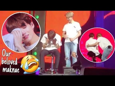 BTS Jungkook Perform With His Foot Injury 😢