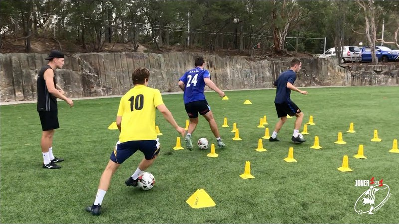 DRIBBLING DRILLS Running with the ball Soccer Football Joner 1on1