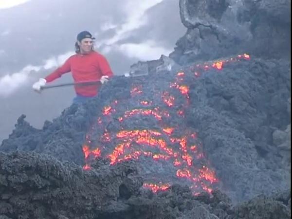 Etna: lava flows and paroxysm