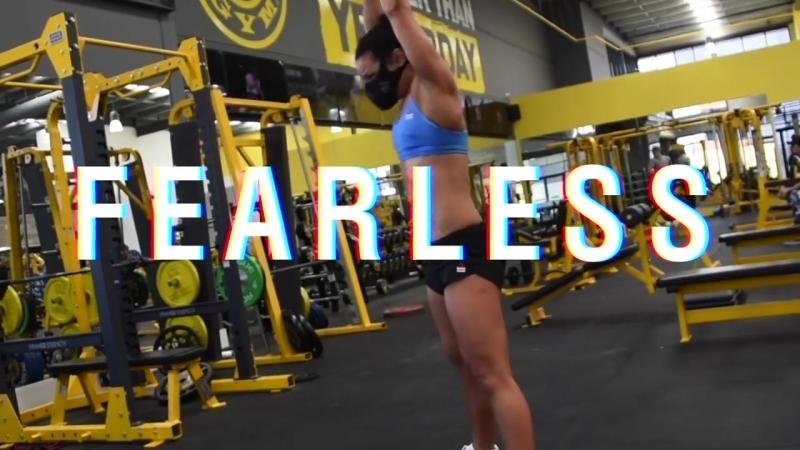 Неистовый тренинг с фитнес экспертом Jenna Douros