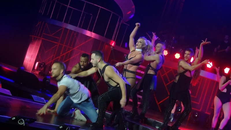 Britney Spears - Freakshow (Live in London, Piece Of Me Tour - August 26) HD