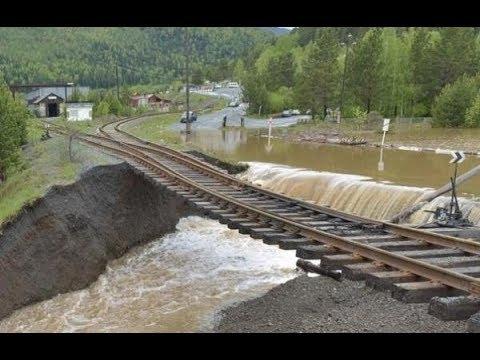 Масштабное наводнение в Краснодарском крае России. In Russia, large-scale flooding.