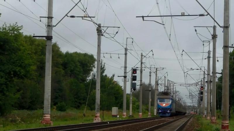 Электровоз ЧС200-010 с поездом №098 (Псков → Москва).mp4