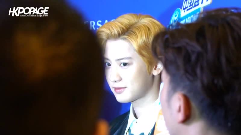 190426 Versace Cross Chainer Sneakers Event in Hong Kong@ EXO's Chanyeol