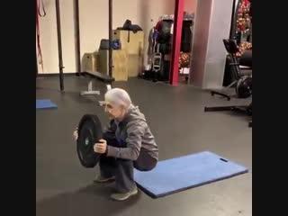 Удивительная, сильная Женщина в свои 72 года!
