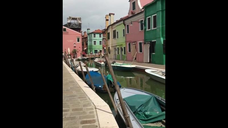Великий Мир - Разноцветный остров Бурано  Италия....