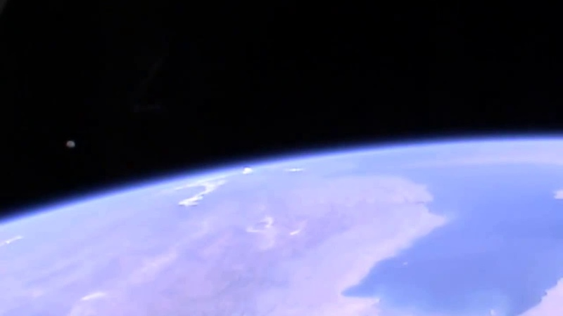 By the UFO it is filmed with the camera of the International Space Station June 24, 2018