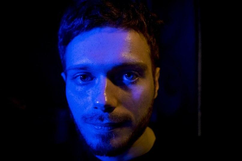 Рэпер Эдик Левин в подвале петербургского клуба «Грибоедов», где он с друзьями проводит рэп-баттлы. 18 декабря 2017