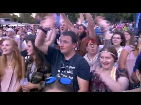 Pilot of Alan Parsons Project and Maggie Reilly Eye In The Sky Magdeburg 2017 HQ