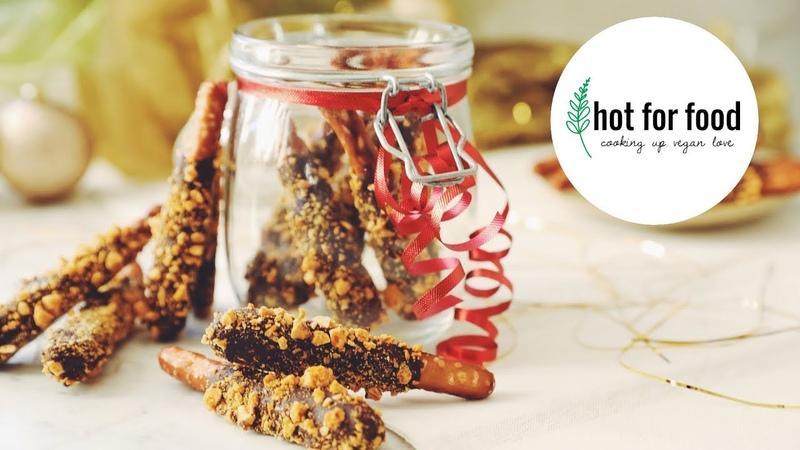 VEGAN GOLDEN CHOCOLATE CARAMEL PRETZEL RODS (EDIBLE XMAS GIFT SERIES) | hot for food