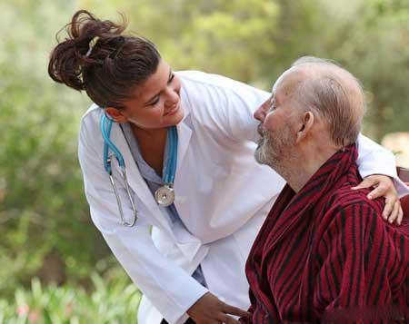 Пациенты с болезнью Альцгеймера часто имеют повреждения в гиппокампе.