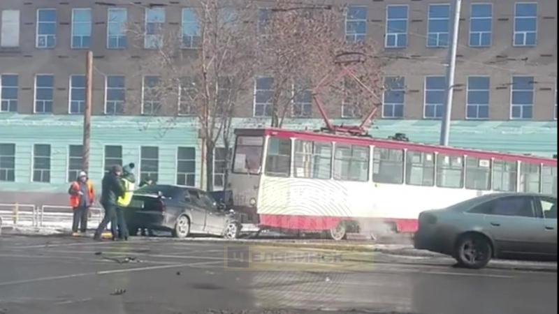 Дтп. Челябинск, Дзержинского - Машиностроителей (19.03.18)