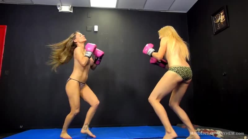 TOPLESS BOXING R V A