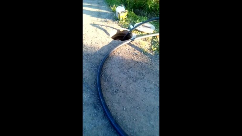 Прокол под дорогой гильза под водопровод 12 метров 63 труба