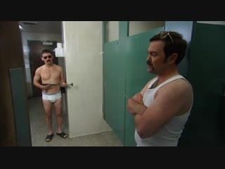 Reno 911 откровение в туалете
