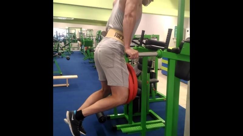 Александр Зевакин отжимания на брусьях 50 кг х 6