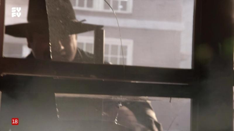 Muerte en Tombstone (2013) sexy escene 03