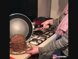 Печеночный торт (ингредиенты в описании видео)