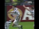 Алессандро Дель Пьеро забивает в дебютном матче в Лиге чемпионов