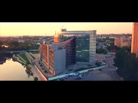 Набережная реки Везёлка на закате 4K