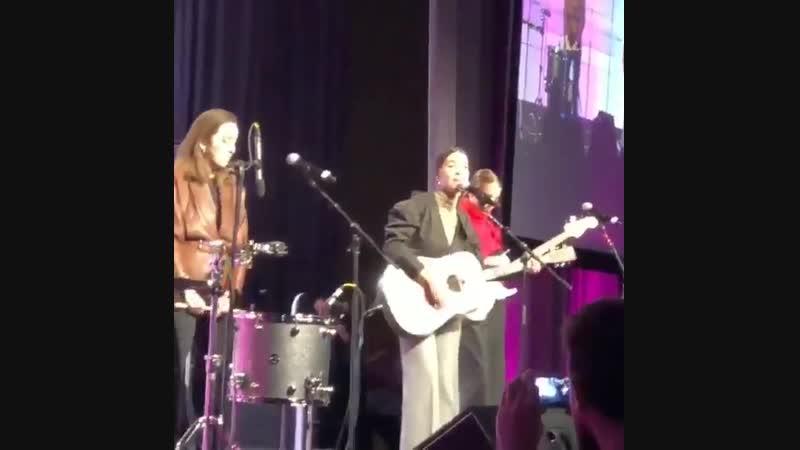 HAIM - I Wont Back Down (Tom Petty cover) @ Power Women Summit 2018