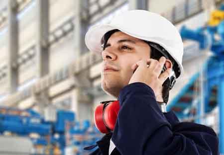 Инженер по охране труда и технике безопасности может дать экспертный совет о том, как определить опасные условия труда