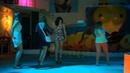 Пьяные девушки танцуют!