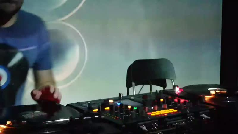 Looneez on Funky Tunes @ RNDM (Moscow)