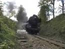Schwerer Dampfzug mit 50 0072 in Rampe vor Hauzenberg am 12-5-2001