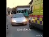 Еще один алматинский водитель, не пропустивший скорую, попал на видео