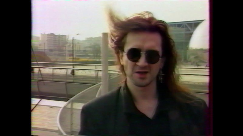 The Mission Giga French TV 1990 Wayne Hussey interview M1