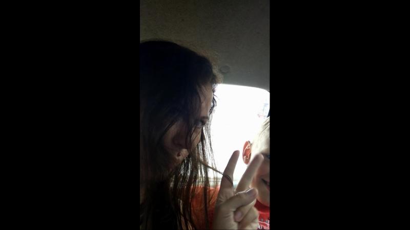 танец в машине.mp4
