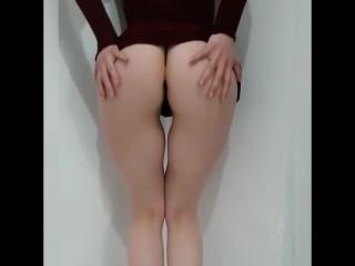 анал Сладкая худенькая малышка с упругими ягодицами , не порно , секси, попка эротика