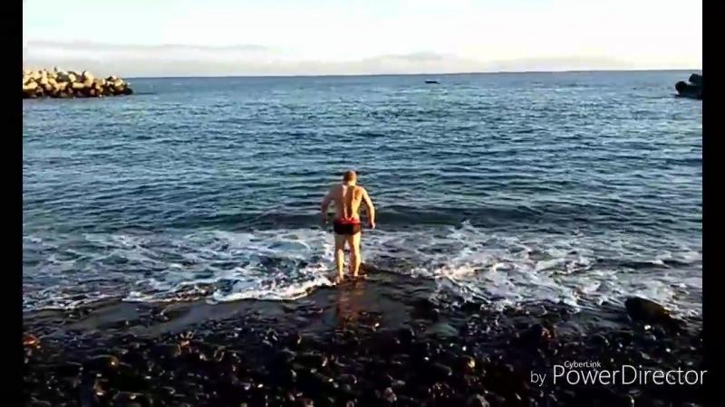 Funchal ныряем в океан на Крещение и поздравление -)